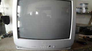 44 tv semp toshiba acende o led mas não funciona