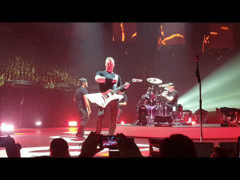 Metallica Halo on fire live Bologna