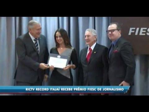 RICTV Record Itajaí recebe prêmio Fiesc de Jornalismo
