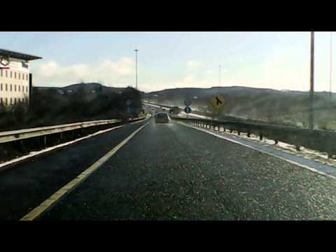 Wet Weather On Motorway.Ednet.Dash Cam, HD 720p, 3 MP, 2.4 Inch TFT Screen, Black Color SKU: 87231