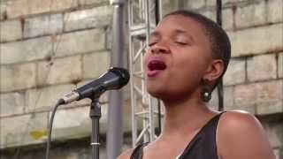 Lizz Wright - Afro Blue - 8/10/2003 - Newport Jazz Festival (Official)