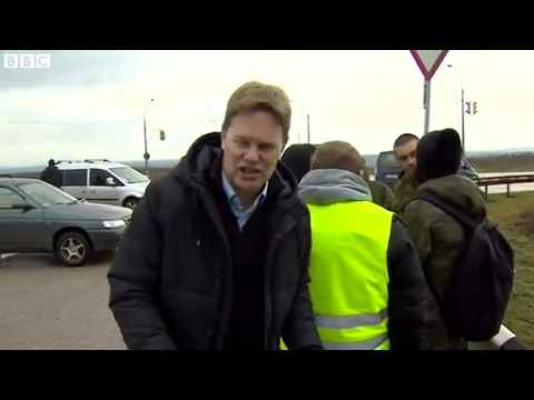 Ukraine Crisis: 'Russians' occupy Crimea airports