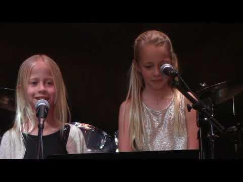 Hannah, Isaac, Lilly, & Amelia perform Jingle Bell Rock - Danman Kids Concert Dec 2016