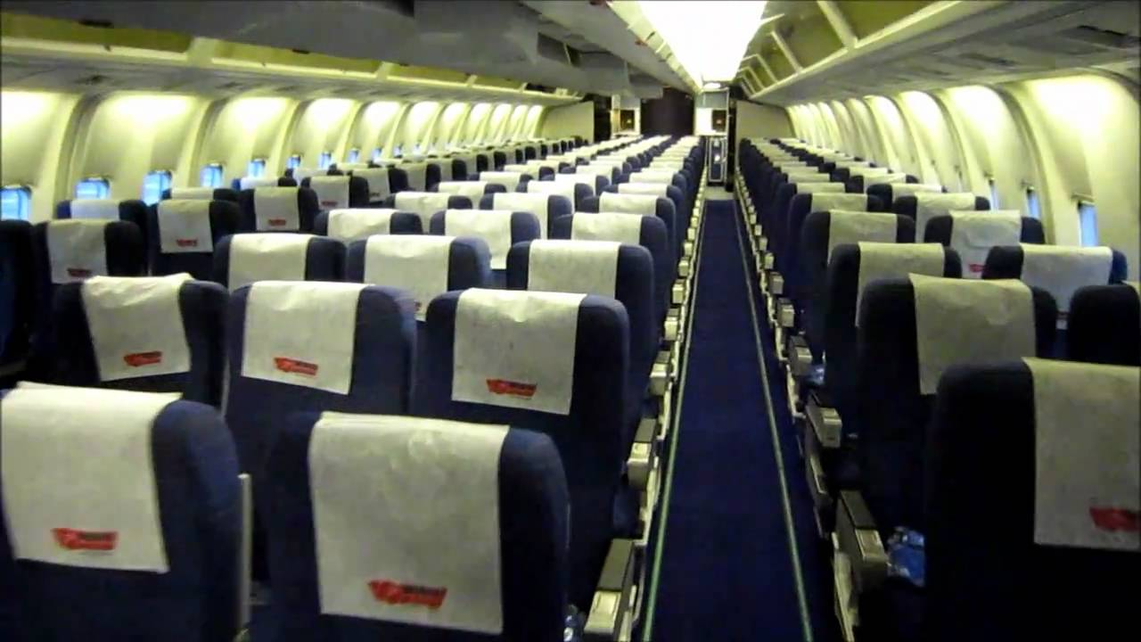 Boeing 767 300 interior youtube for Avion jetairfly interieur