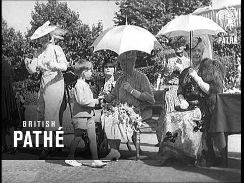 Garden Party At St James Palace (1939)