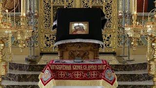 """Великая Суббота. """"Да молчит всяка плоть человеча"""". Храм Петра и Павла г. Алматы."""