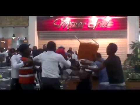 Jovens entram em pancadaria no Belas Shopping   TV Zimbo  