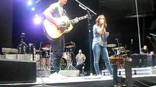 Nick Jonas and Demi Lovato singing Catch Me in Montreal soundcheck