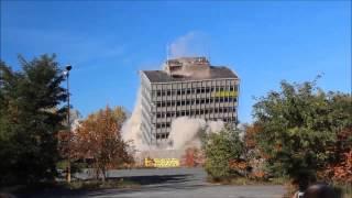 Wyburzanie wieżowca Jelcz-Laskowice