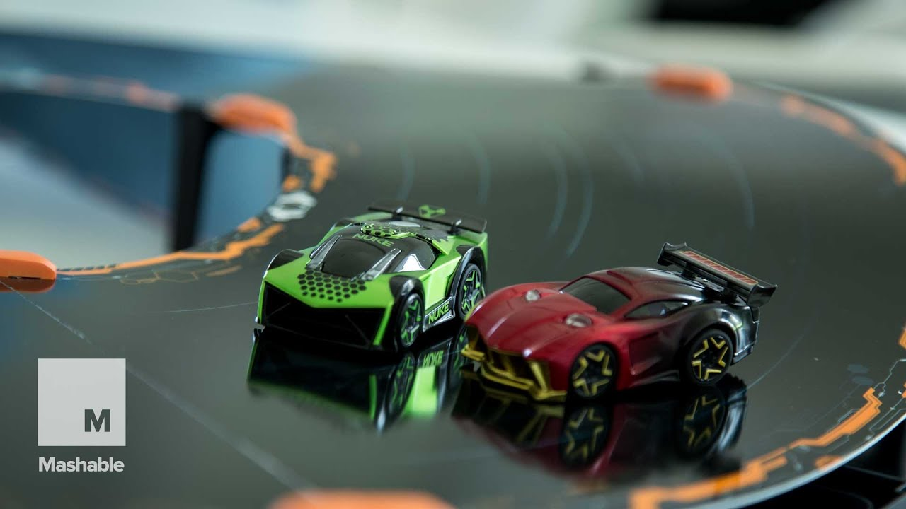 Racing The Robot Cars Of Anki Overdrive Mashable Youtube