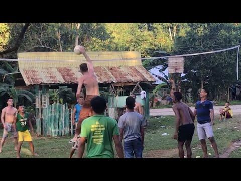HOW DO FILIPINOS TREAT THEIR FOREIGNER NEIGHBOR