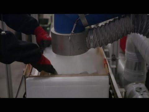 Vaccini Pfizer: ecco come sono stati preparati per la spedizione