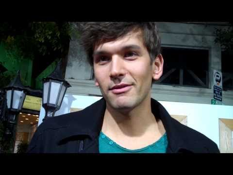 """Ashton Kutcher's body double at the """"No Strings Attached"""" premiere"""