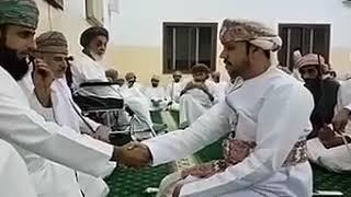 Хороший обычай. Жениха бьют плетью, братья невесты.