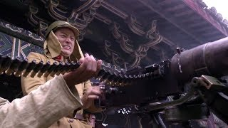 Chinese soldiers set up machine guns to shoot Japanese troops!