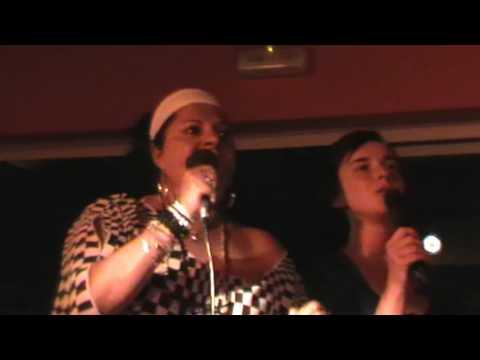 Lety und Johana   Karaoke