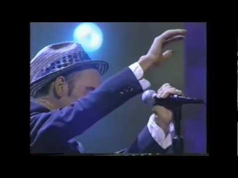 R.E.M. - Everybody Hurts (Live 1993)
