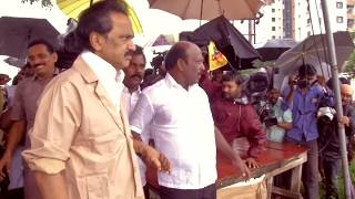 Thalapathi MK Stalin visits rain-affected areas in Velachery