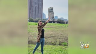 'Leaning Tower Of Dallas' Drawing Crowds With Camera Phones