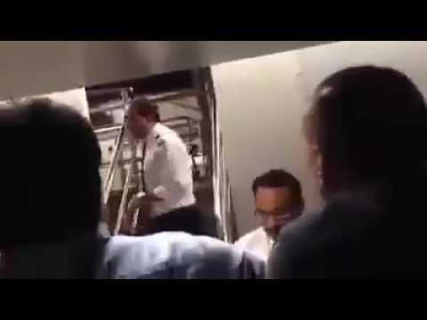 Pak passengers shouts on PIA Pilot