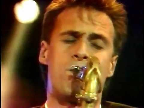 Dire Straits - Romeo & Juliet (Live At Wembley '88 Mandela)