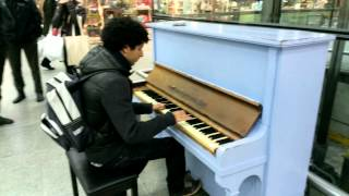 One Republic  Counting stars (cover) at London St Pancras