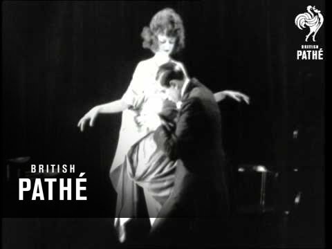 M'lady's Dress - While She Waits (1922)