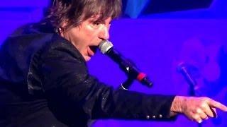 IRON MAIDEN - Bruce Dickinson Stops Show! Hey Fat Boy! Mandalay Bay Las Vegas 9.12.2013