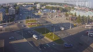 Фото Видео момента столкновения такси и маршрутки в Кемерове