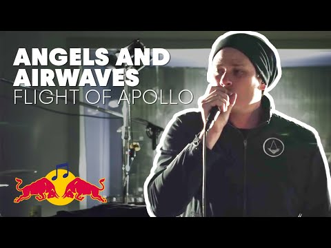 "Angels and Airwaves perform ""Flight of Apollo"" at Red Bull Studio Sessions"