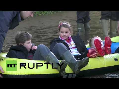 UK: Inflatable Rafts Replace Cars In Flooded Berkshire