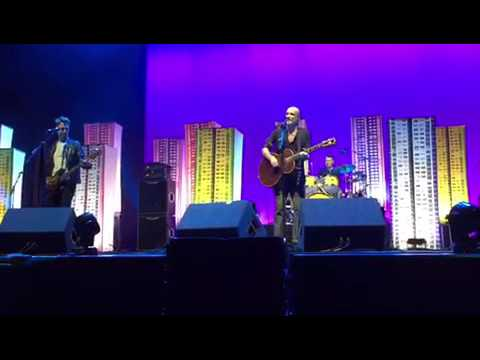 Travis - Nothing Ever Happens [Del Amitri cover] SSE HYDRO 21 December 2016