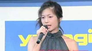 Misako Yasuda of the gravure idol in Japan sings in the event.