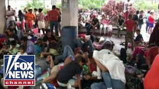 Op-ed likens migrant caravan to Cuban boatlift