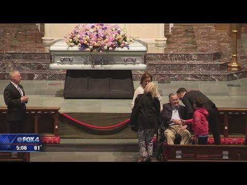 George H W  Bush greets mourners visiting Barbara Bush's casket