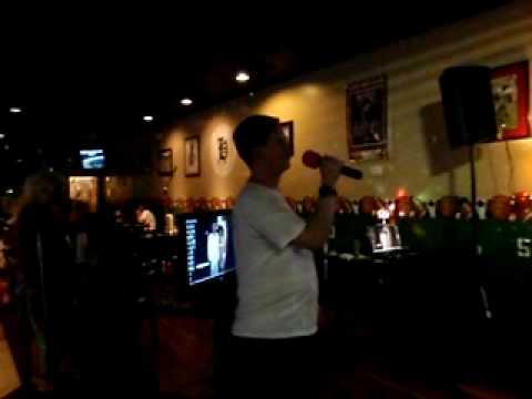 Beaker sings Karaoke