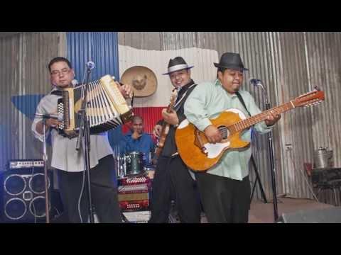 Los Badd Boyz Del Valle - Eres Clicka slideshow