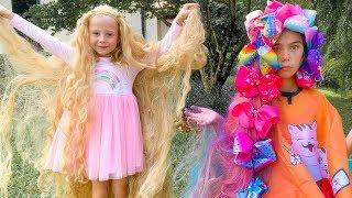ستايسي وناستيا تلعبان مصففة شعر وتصبغ شعرهما