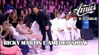 """Amici 2019, Ricky Martin VA FUORI di TESTA e """"tocca"""" Amedeo dopo il SECONDO BACIO 😂"""