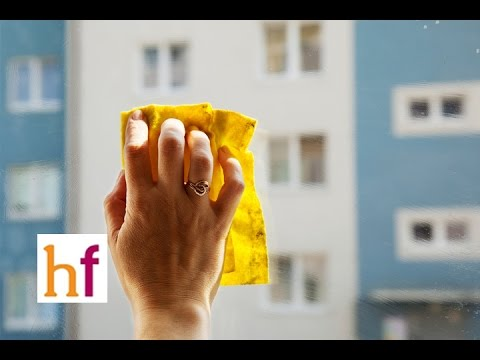 Cómo limpiar ventanas y cristales a fondo - YouTube