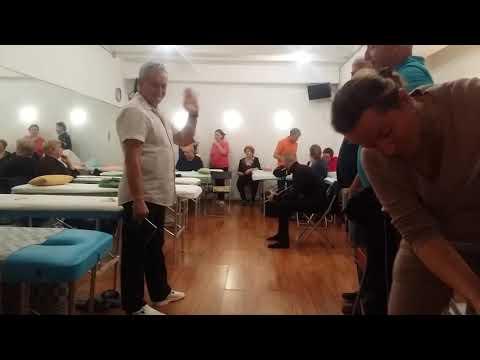 Бритье головы - подготовка к массажу банками у Максимова Г.Н. на семинаре