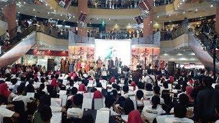 250 Gitaris Pecahkan Rekor MURI Menyanyikan 25 Lagu Daerah Metropolitan Mall Bekasi