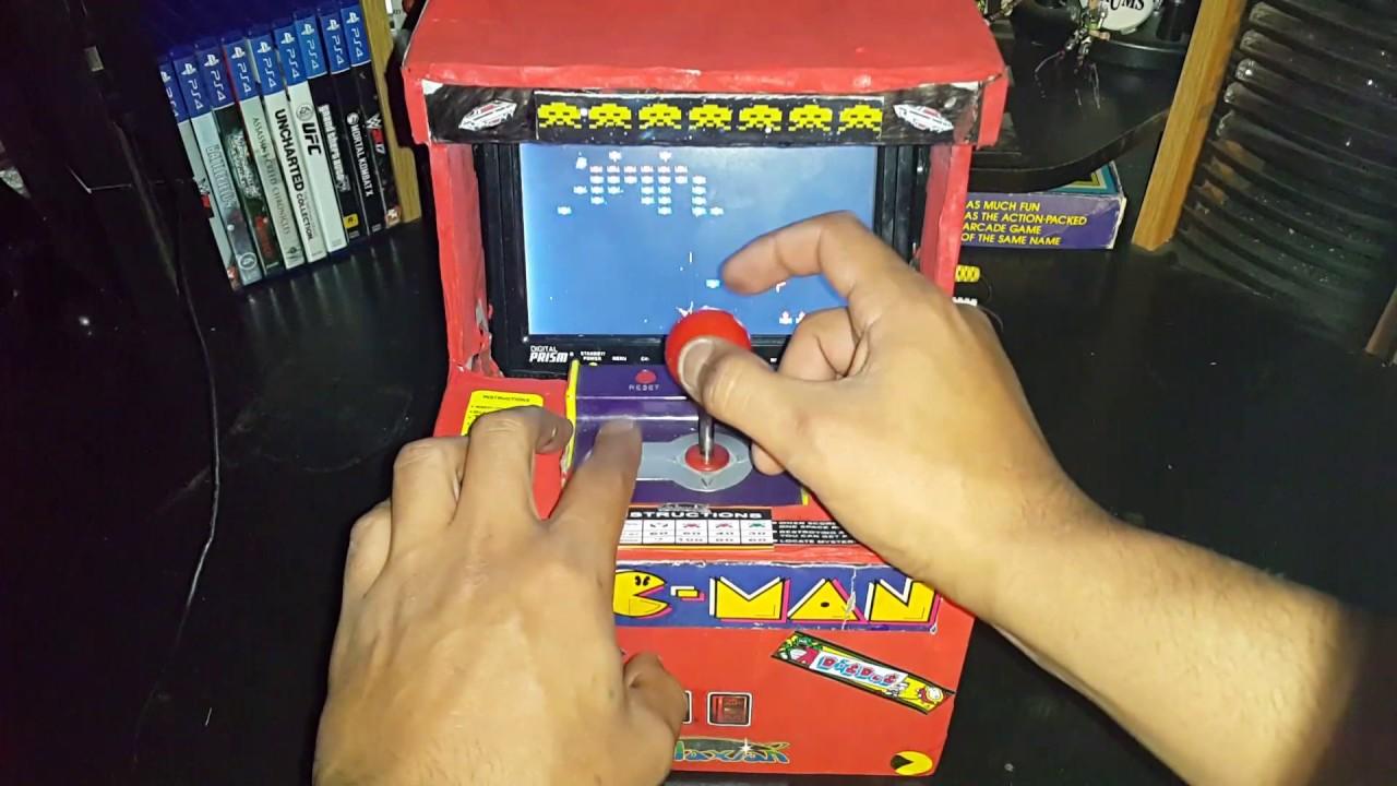cardboard arcade cabinet - YouTube