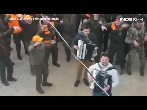 """Lovci iz Hercegovine postali hit na Balkanu pjevajući: """"Da sam pauk, mali pauk"""""""