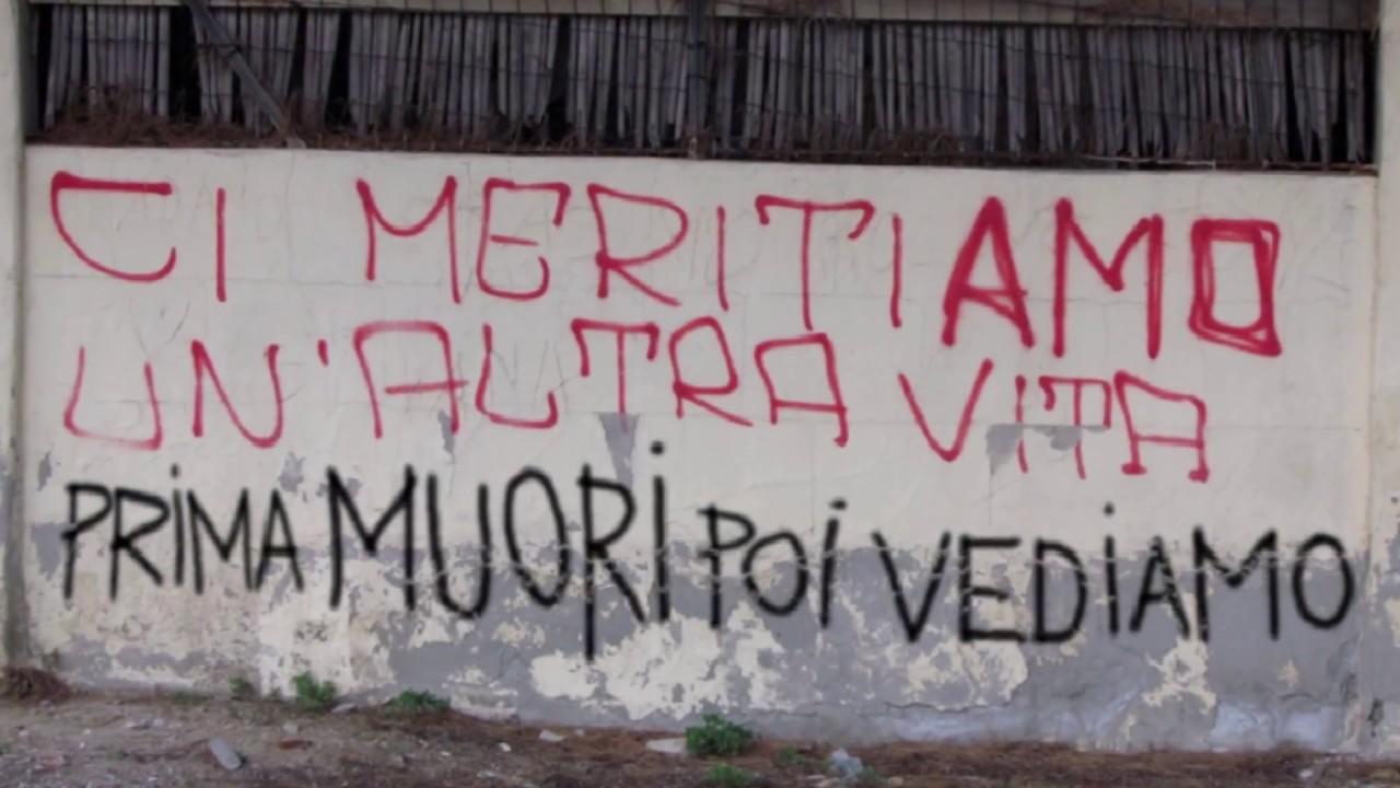 Parole d 39 amore scritte sui muri youtube for Scritte tumblr sui muri
