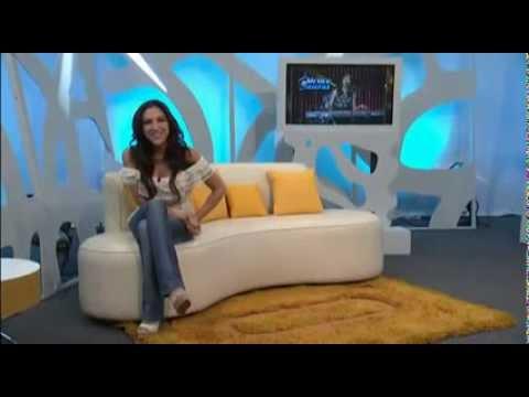 Sandra Corcuera muestra chichis