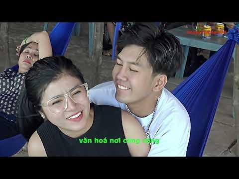 Clip - cặp đôi diễn cảnh nóng trong quán cafe và cái kết