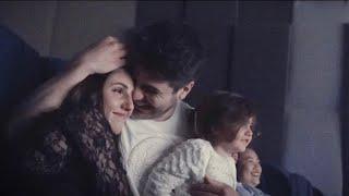 اقوى مفاجأة عيد زواج قدام الناس في السينما 😻 مشهد مؤثر (عائلة انس واصالة)