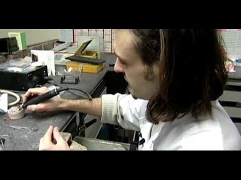 video prothesiste dentaire Découvrez le métier de prothésiste dentaire enseigné à la sepr à lyon témoignages d'apprentis et zoom sur leur formation wwwsepredu.