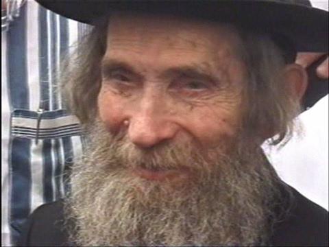 הרב שטיינמן בביקור לעידוד החקלאים שומרי השמיטה תשס''א